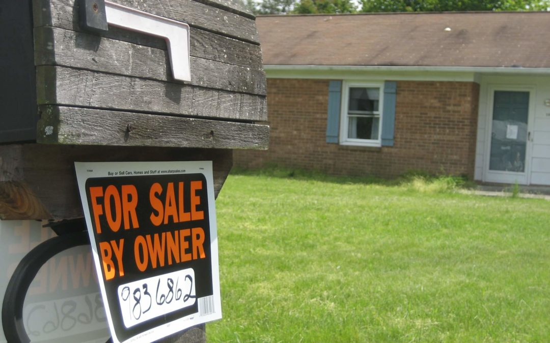 Selling A Home On Your Own: The Pros and Cons